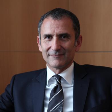 Guy MamouMani