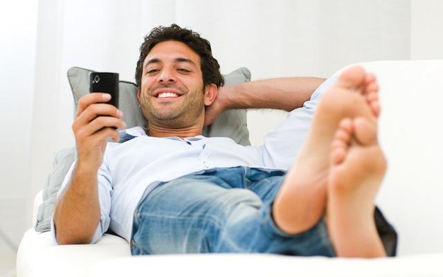 Photo de Médiamétrie: le divertissement en tête des usages mobiles en février
