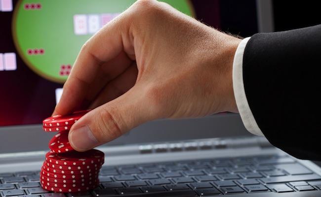 Photo de Poker en ligne : le groupe Partouche tire sa révérence