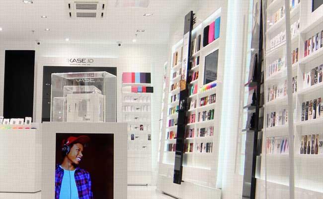 Photo de Les frères Rosenblum et la famille Barthes rachètent 114 magasins Phone House et sauvegardent 416 emplois