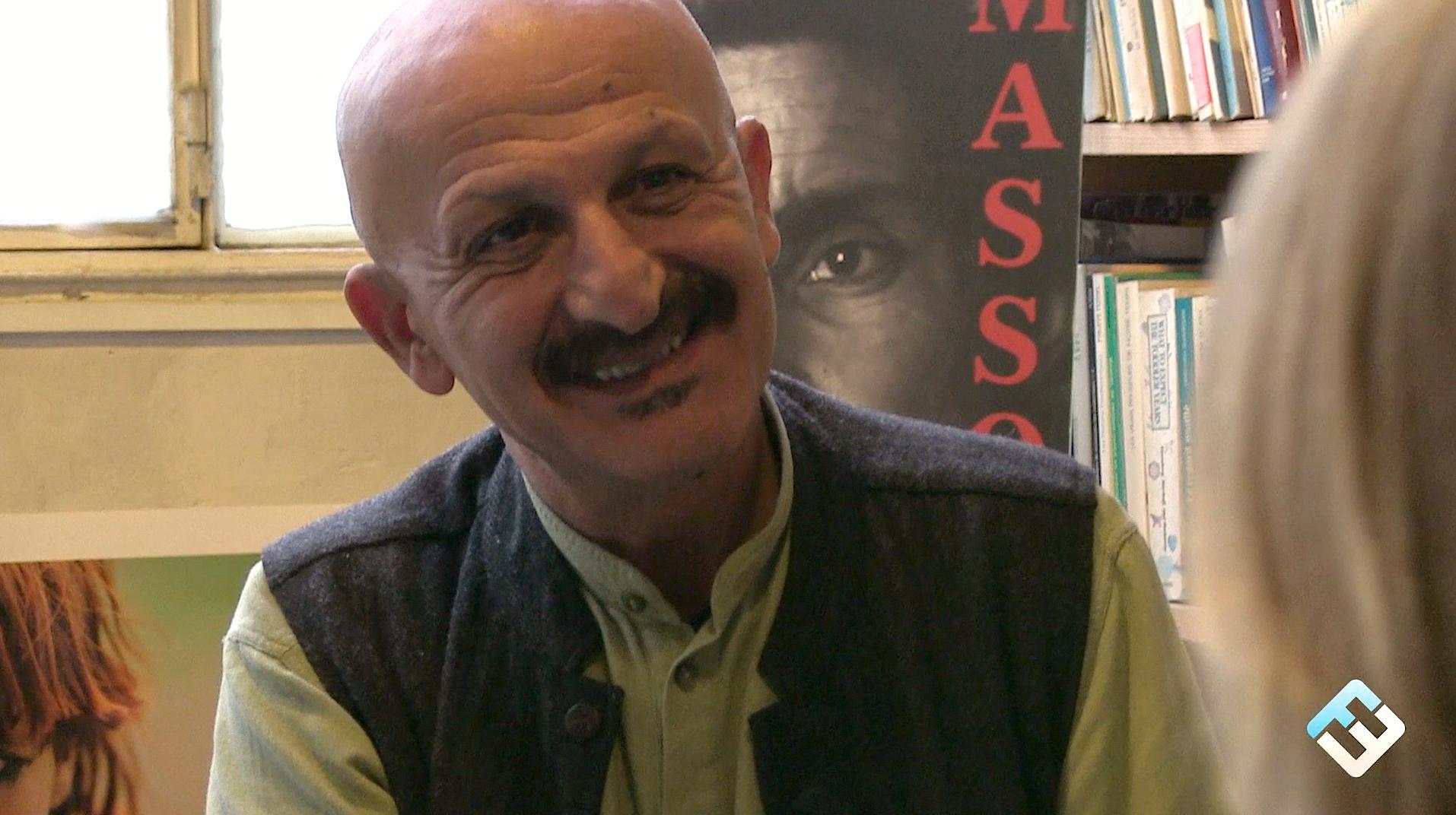 Photo de [Grand format] Reza, photographe et reporter entré dans le digital en 1982