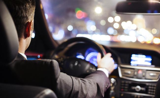 chauffeur-taxi-vtc-voiture