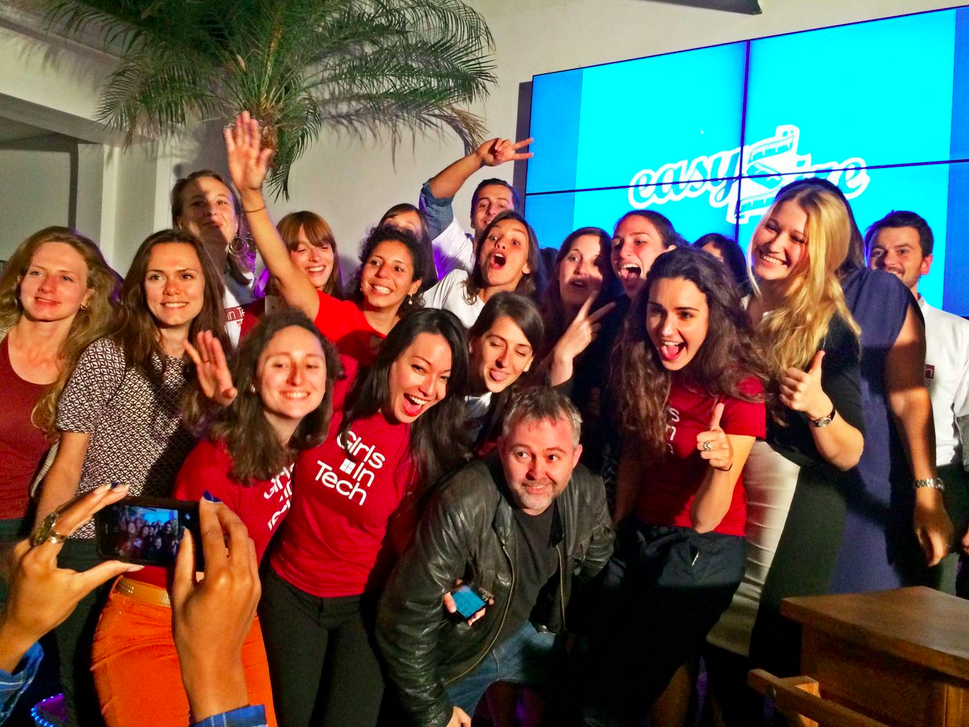 Photo de Girls in Tech récompense une startup danoise lors de la 4 ème édition de Lady Pitch Night