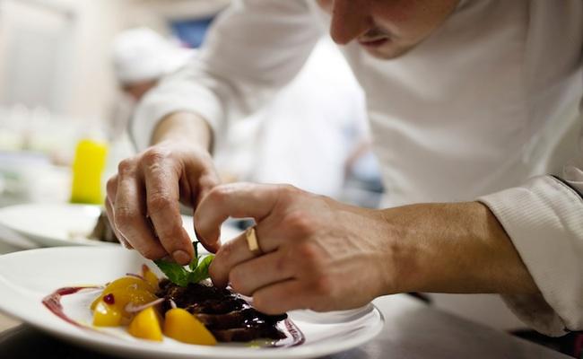 chef-cuisine-restaurant-plat