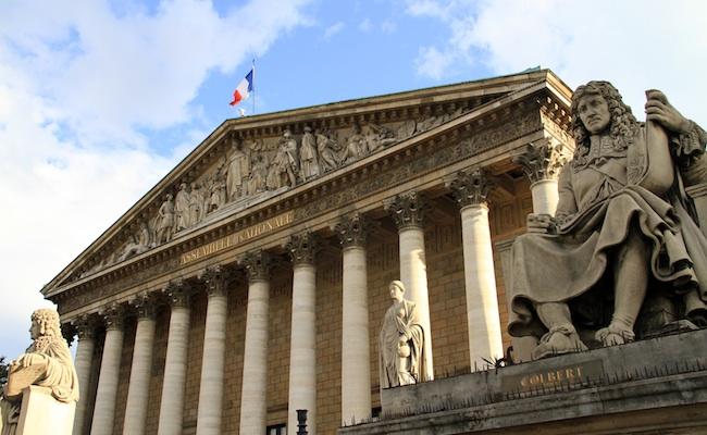 assemblee-nationale-france-paris-depute-loi