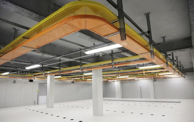 Photo de [En bref] Etix Everywhere ouvre un datacenter de colocation en Vendée, Looker lève 30 millions de dollars