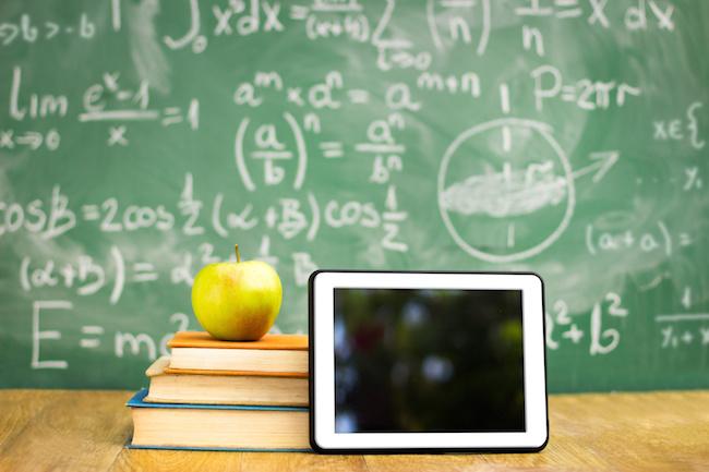 Photo de Réforme du collège: faut-il aborder l'enseignement du code?