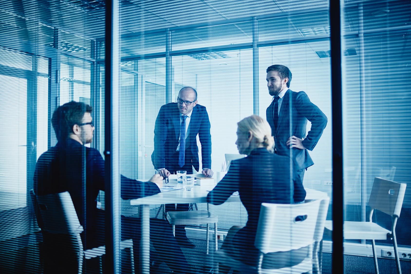 Les emplois de la semaine melty public id es car boat - Offre d emploi office manager ile de france ...