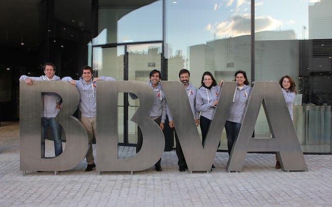 Photo de Le groupe BBVA investit plus de 60 millions d'euros dans une banque sur mobile