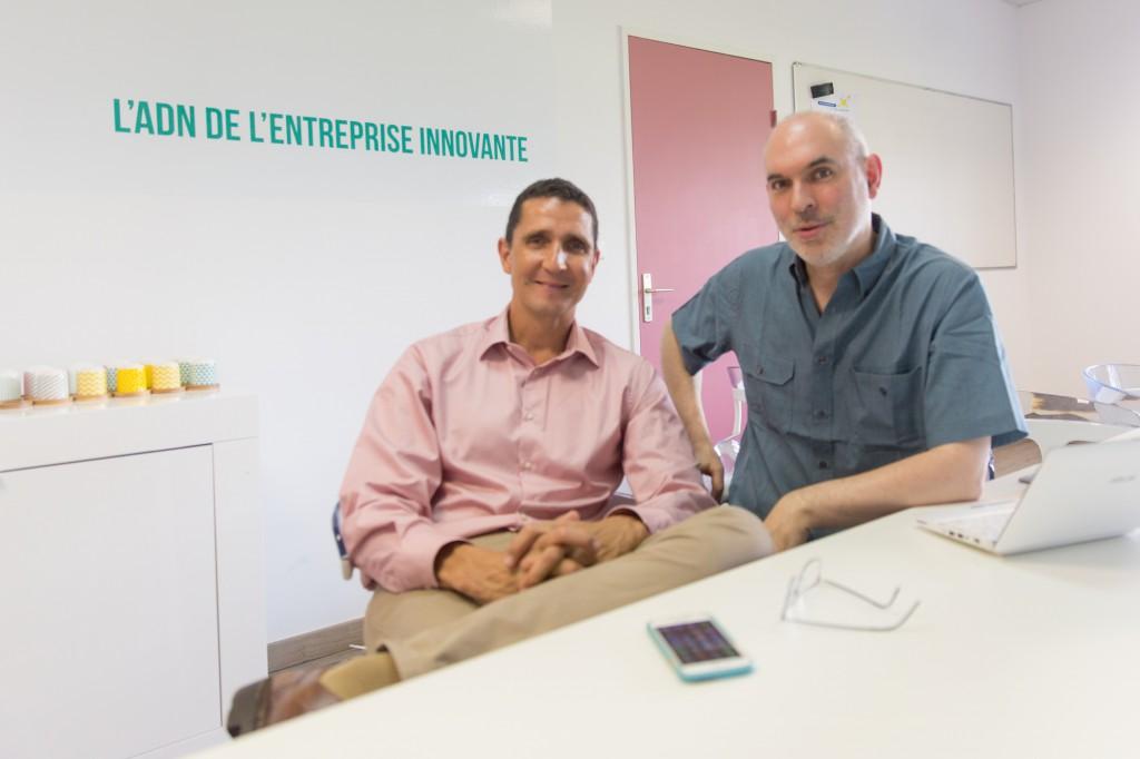 Olivier Ezratty avec Philippe Jean-Pierre d'Innovons la Réunion, dans le bâtiment TechNor de la Technopole à Saint Denis.
