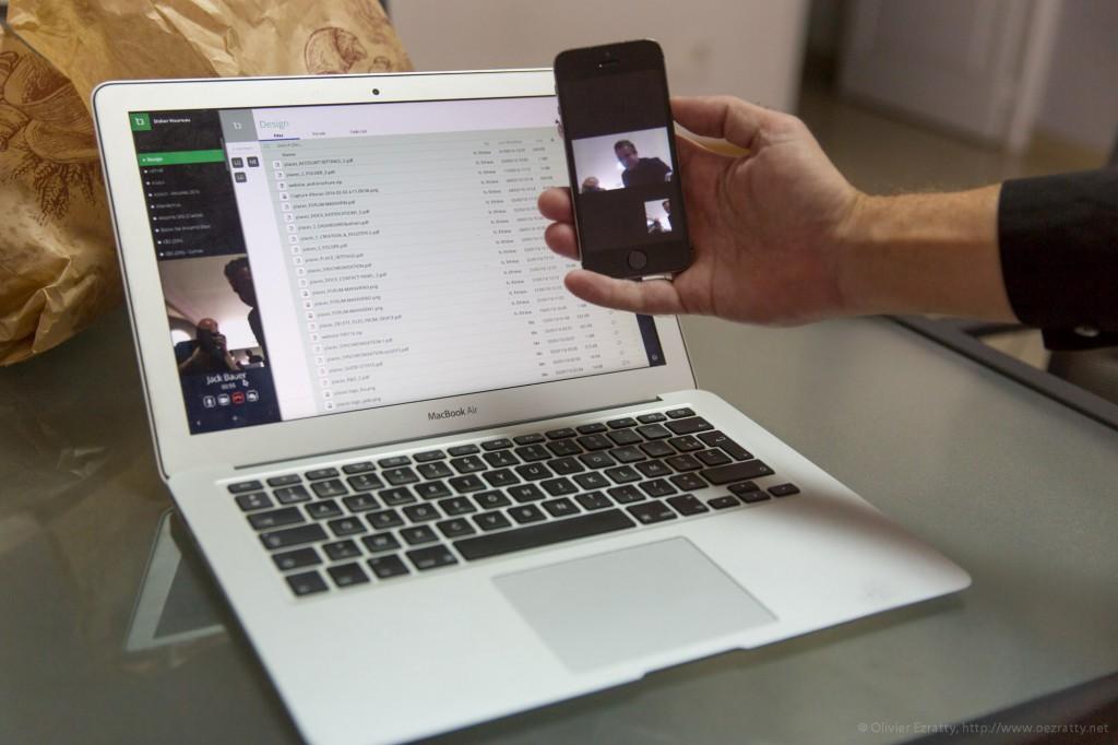 L'application Places d'Ansamb permet de lancer une visioconférence à partir de son micro-ordinateur vers un smartphone, le tout en en crypté.