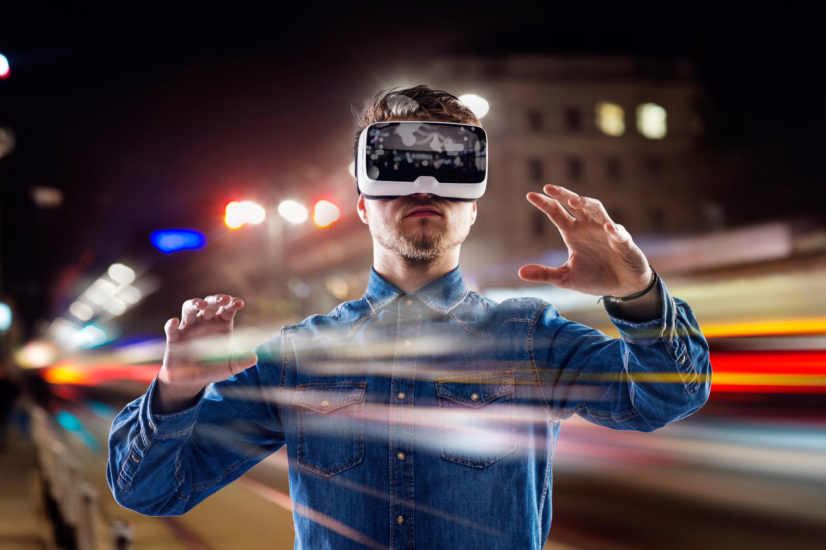 Photo de Live, VR, chatbots…comment les internautes veulent-ils consommer l'information?