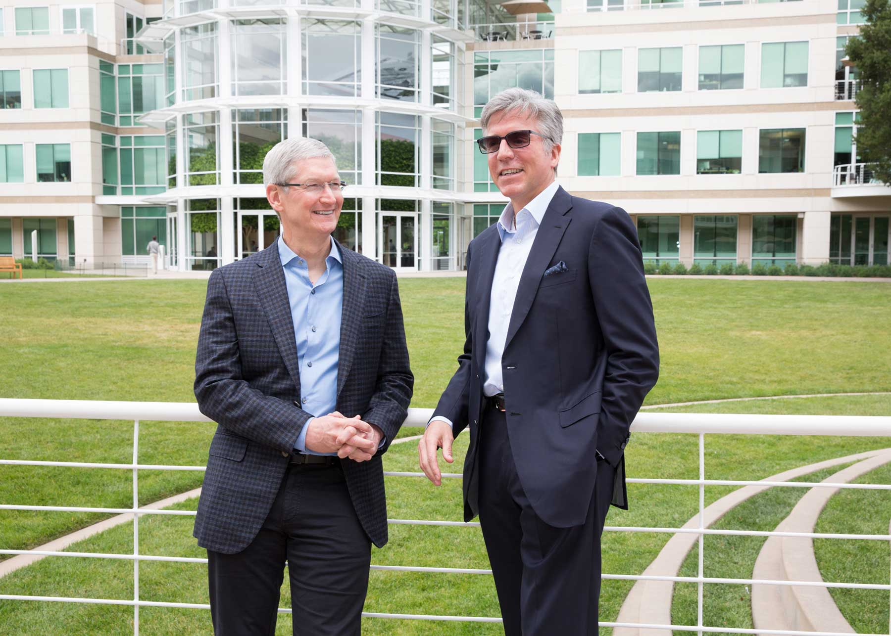Tim Cook, CEO d'Apple, et Bill McDermott, CEO de SAP. © Apple/Roy Zipstein