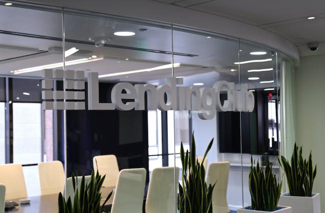 Photo de Lending Club chute en Bourse, Renaud Laplanche démissionne