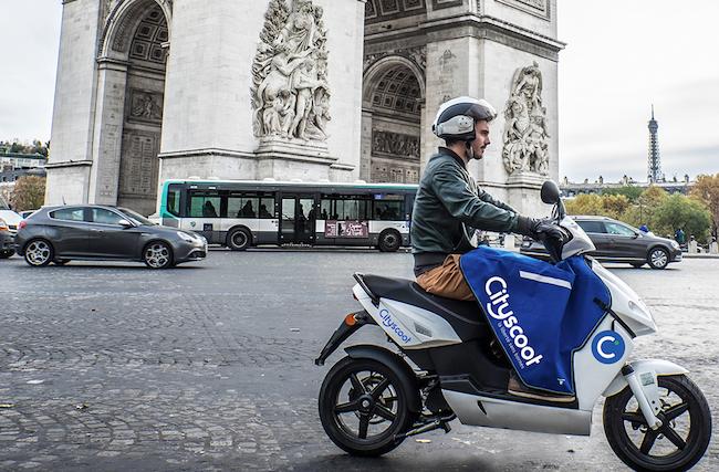 Photo de Cityscoot lève 15 millions d'euros pour déployer 1000 scooters en libre-accès à Paris