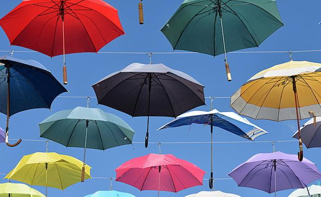 parapluies-couleurs-2