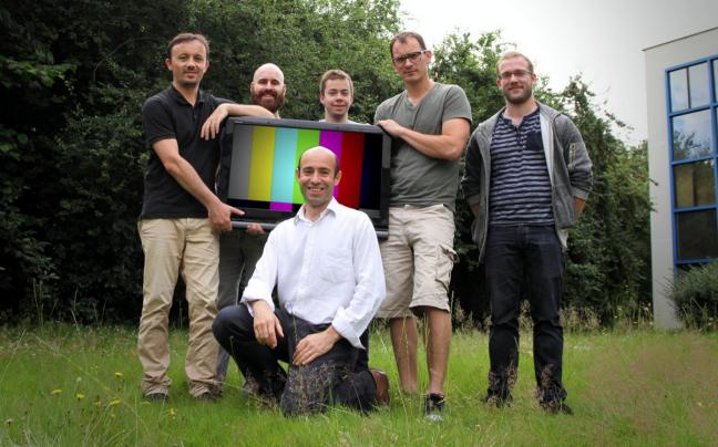 Photo de Leankr augmente les émissions TV avec du contenu Web, et inversement