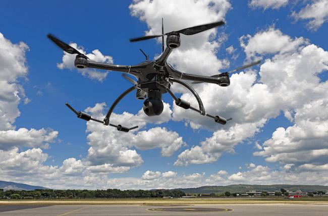 Photo de Azur Drones lève 2 millions d'euros et rachète un autre acteur du drone professionnel