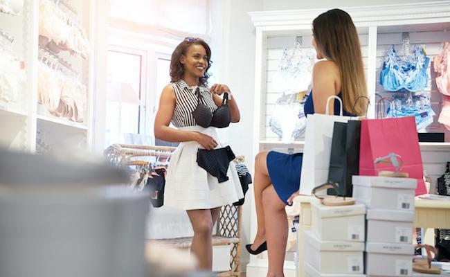 Photo de [Numbers] Combien d'internautes français achètent des vêtements et de la lingerie en ligne?