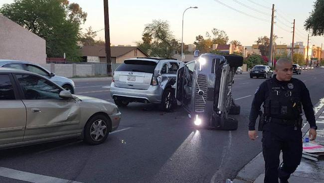 Photo de Uber stoppe ses essais sur la voiture autonome suite à un accident