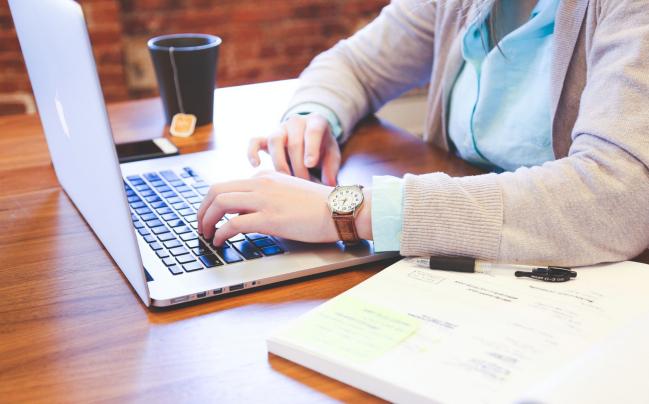 Comment devenir Community Manager freelance?