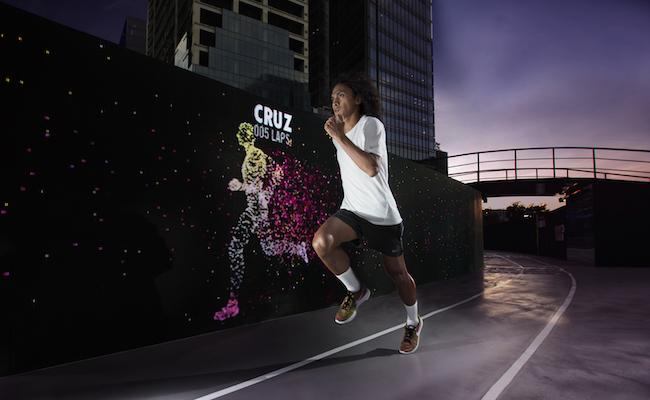 Nike-Run-Club-Coach-Rio-dela-Cruz-outpacing-his-avatar-at-the-Unlimited-Stadium