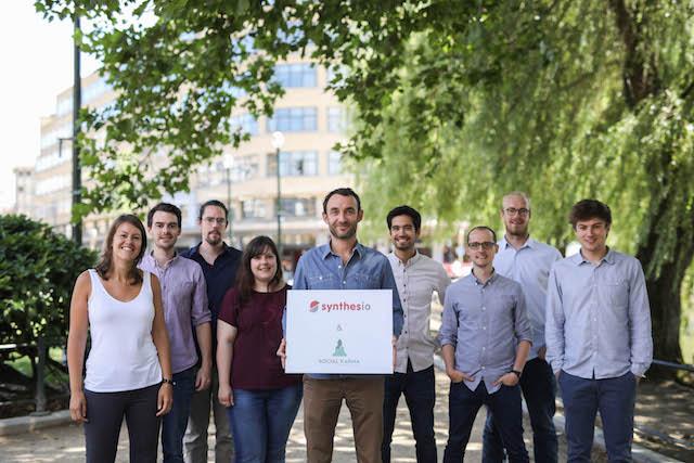 Photo de Synthesio met la main sur la startup belge Social Karma