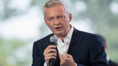 Photo de Bruno Le Maire veut infliger une amende de 2 millions d'euros à Google et Apple