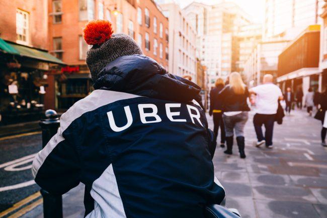 Uber réduit sa perte de moitié au premier trimestre