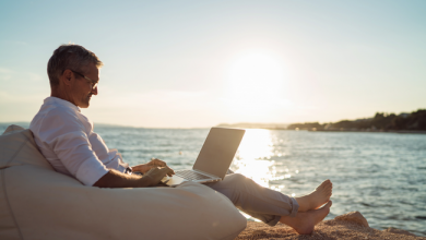 Photo de Et si on laissait les entrepreneurs travailler pendant les vacances?