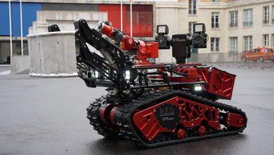 Photo de Colossus, le robot des pompiers dans la fournaise de Notre-Dame