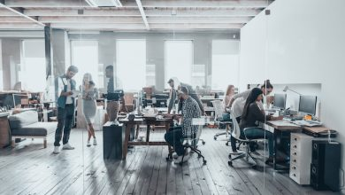 Photo de [PODCAST] Co-Working, tiers-lieux, remote: travailler dans un bureau? oui mais non! (2/2)