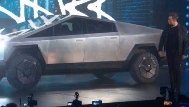 Photo de Elon Musk dévoile le «cybertruck», un pick-up blindé 100% électrique