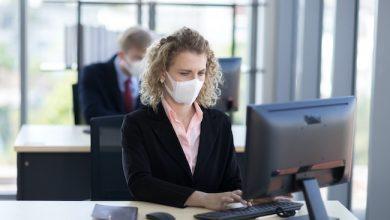 Photo de Covid-19: le numérique va-t-il traquer l'employé et sa santé sur le lieu de travail?