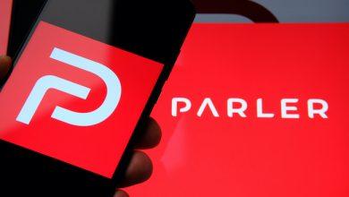 Photo de Bloqué par Amazon, Apple et Google, le réseau social conservateur Parler est désormais hors ligne