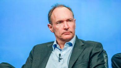 Photo de L'inventeur du Web juge le projet visant à forcer Facebook et Google à rémunérer les médias «irréalisable»