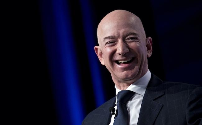 "Joe Biden ""le protecteur"" ! - Page 3 Jeff-Bezos-"