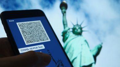 Photo de Passeport vaccinal: aux États-Unis, la polémique enfle autour de l'idée d'un sésame numérique